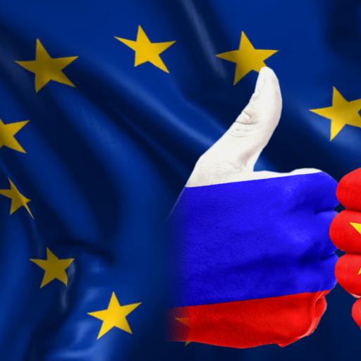 """Debata """"Między Wschodem a Zachodem – Polska, Europa, świat"""""""