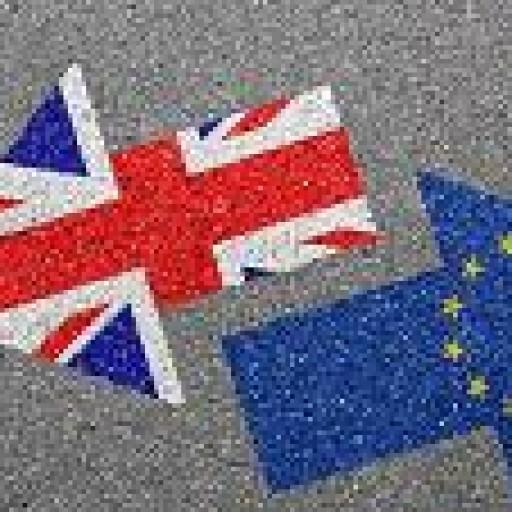 Brexit: zastrzeżenia KE do umowy o wystąpieniu